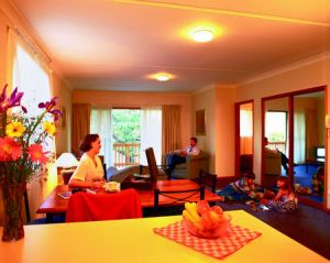 Oxley Court Serviced Apartments - Nambucca Heads Accommodation