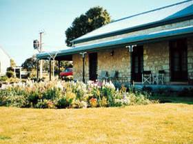 Robe House - Nambucca Heads Accommodation