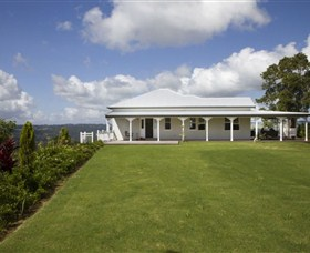 Montville Lake Terrace - Nambucca Heads Accommodation