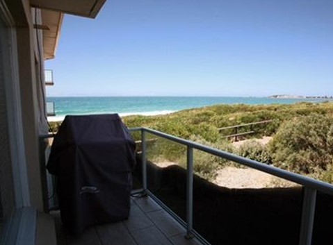 Beachfront Narrabeen - Nambucca Heads Accommodation
