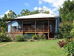 Blue House Family Accommodation - Nambucca Heads Accommodation