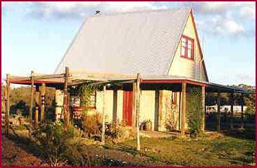 Elinike Guest Cottages - Nambucca Heads Accommodation
