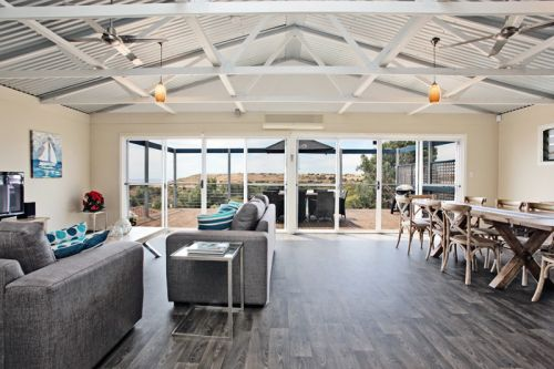 Coral Sands Luxury Beach House - Nambucca Heads Accommodation