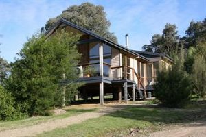 Yering Gorge Cottages by The Eastern Golf Club - Nambucca Heads Accommodation