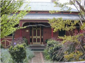 FINCHES OF BEECHWORTH - Nambucca Heads Accommodation