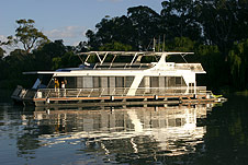 Whitewater Houseboat - Nambucca Heads Accommodation