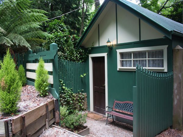 Lotus Lodges: Hush Cottage & Charmed Cabin - Nambucca Heads Accommodation