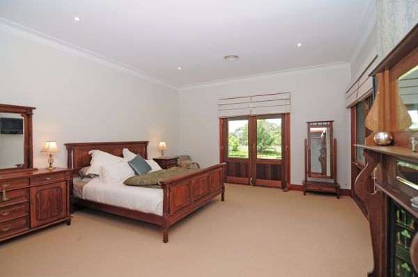 Reign Manor And Coach House - Nambucca Heads Accommodation