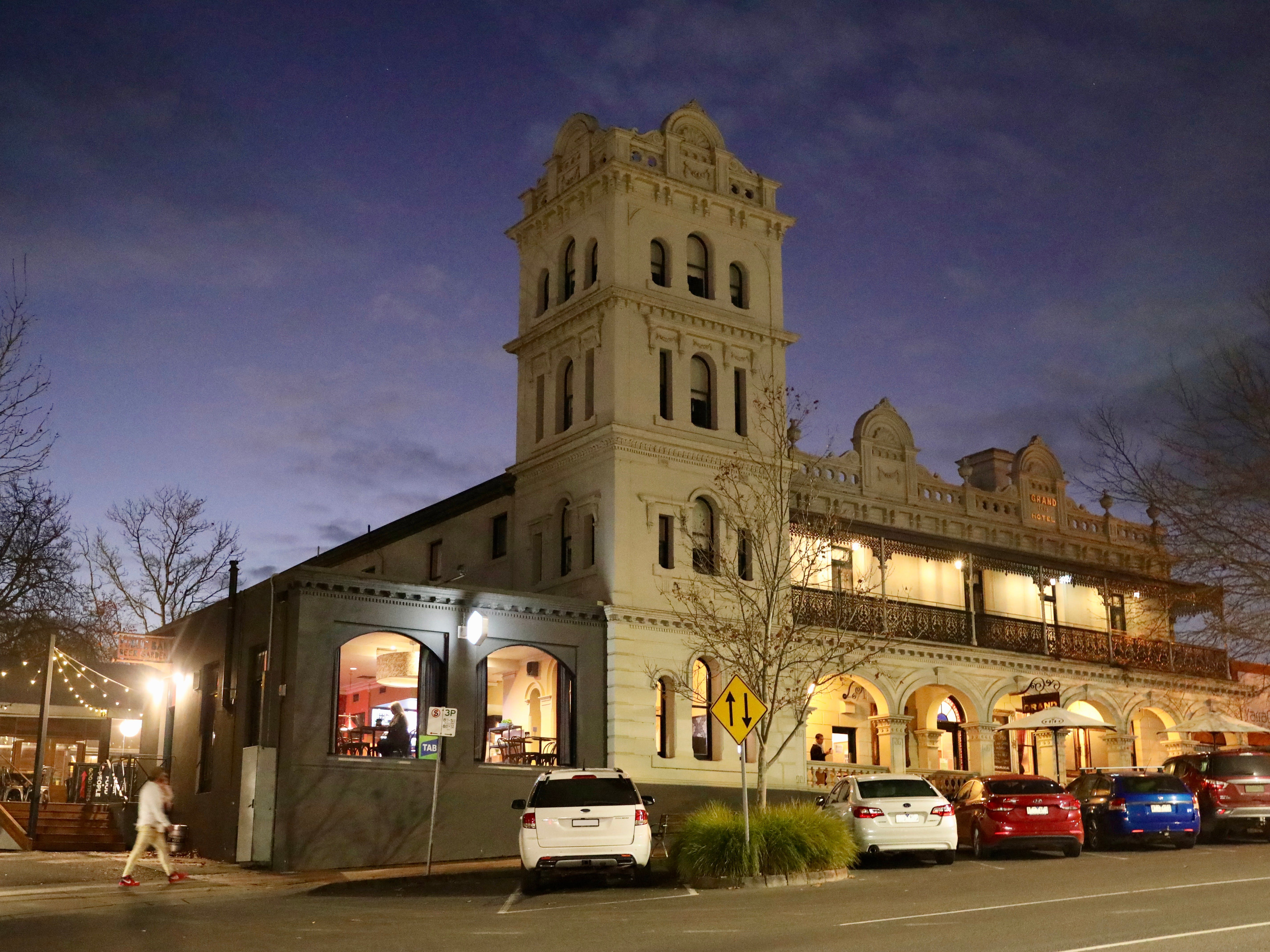 Yarra Valley Grand Hotel - Nambucca Heads Accommodation