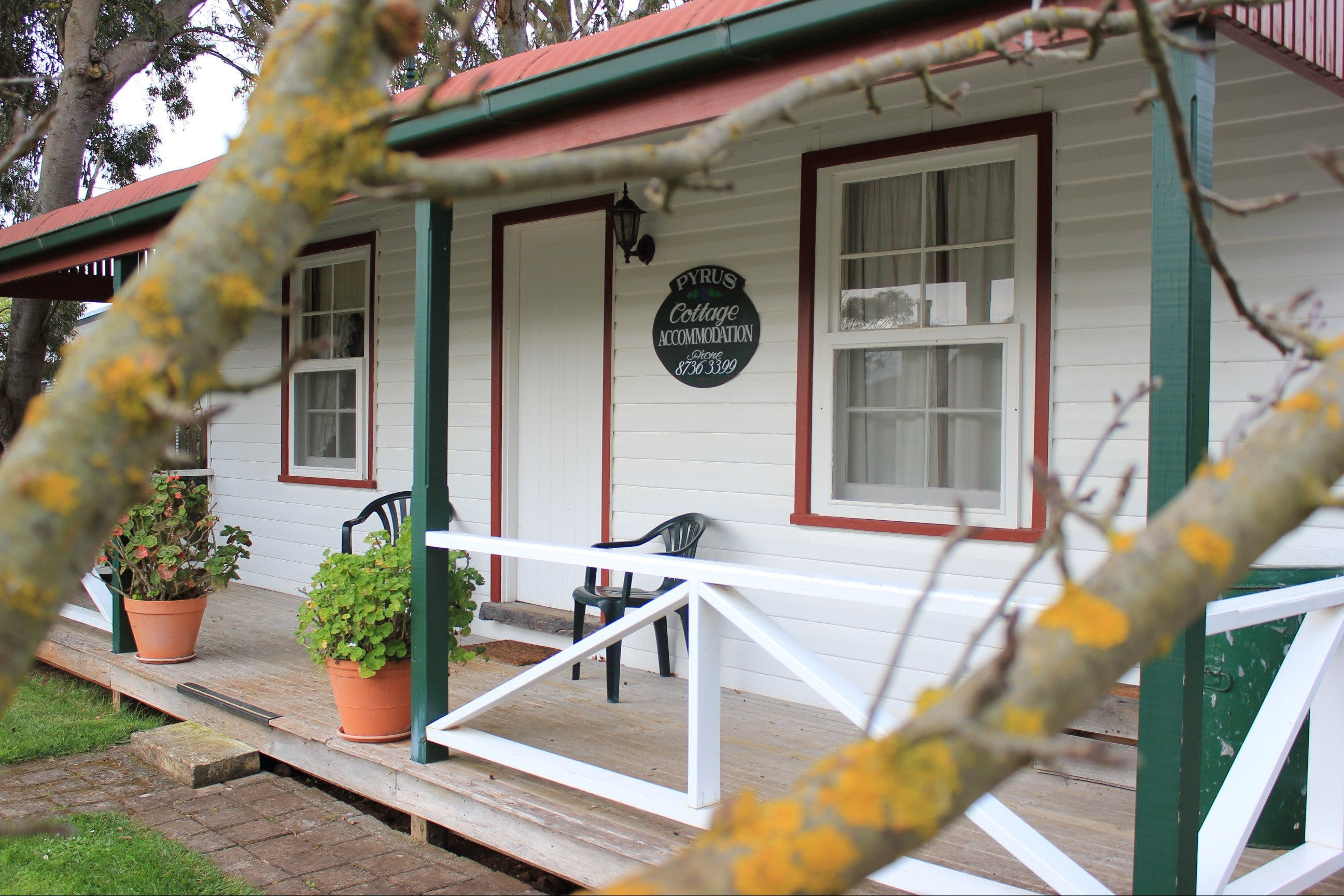 Coonawarra's Pyrus Cottage - Nambucca Heads Accommodation