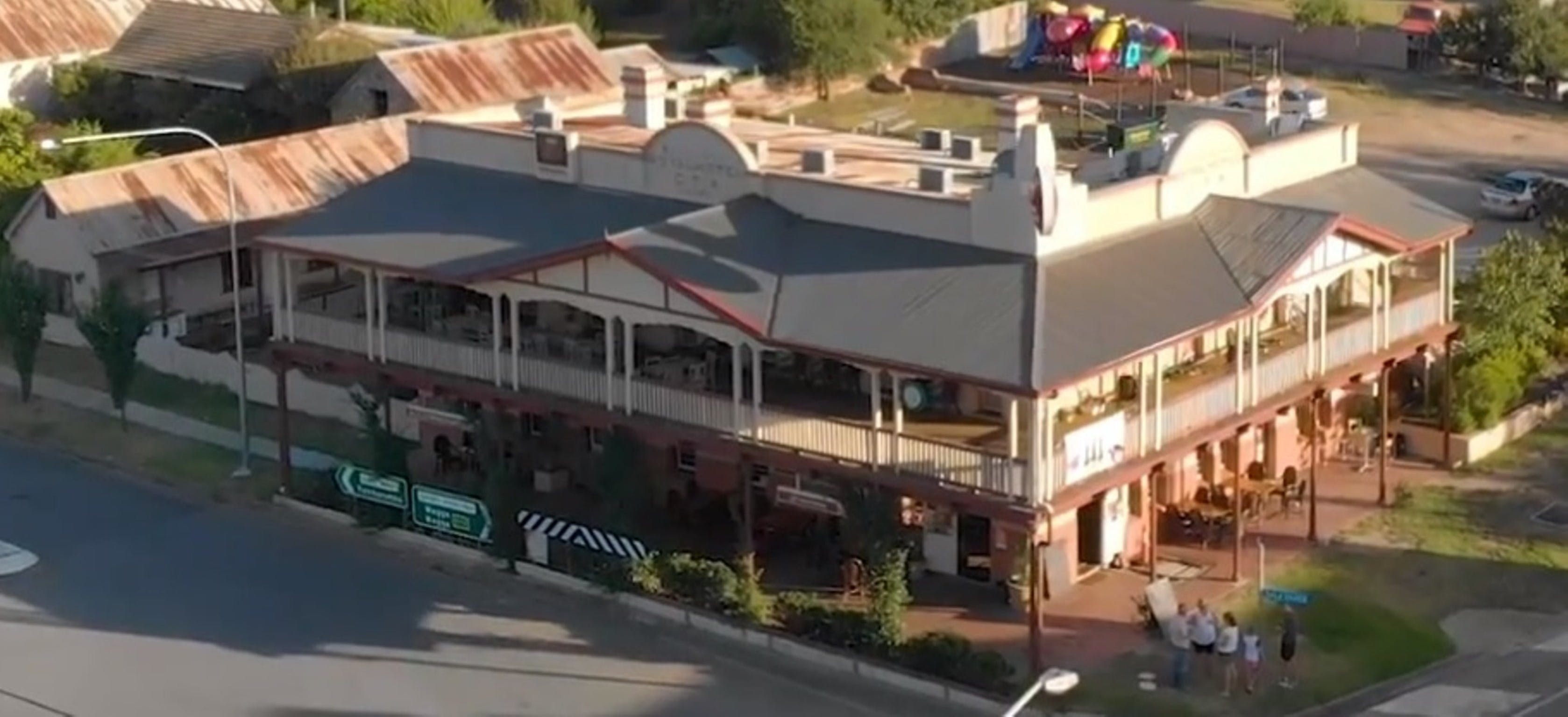 Royal Hotel Adelong - Nambucca Heads Accommodation