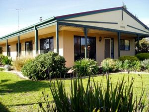 Bells By The Beach Holiday House - Nambucca Heads Accommodation