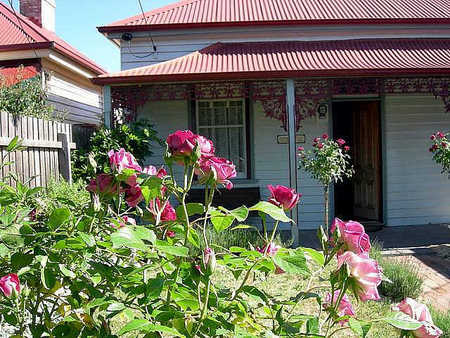 Airleigh - Rose Cottage - Nambucca Heads Accommodation
