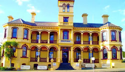 The Queenscliff Historic Royal Hotel - Nambucca Heads Accommodation