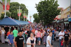 Cowra Christmas Street Festival - Nambucca Heads Accommodation