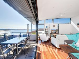 One Mile Cl Townhouse 22 26 The Deckhouse - Nambucca Heads Accommodation