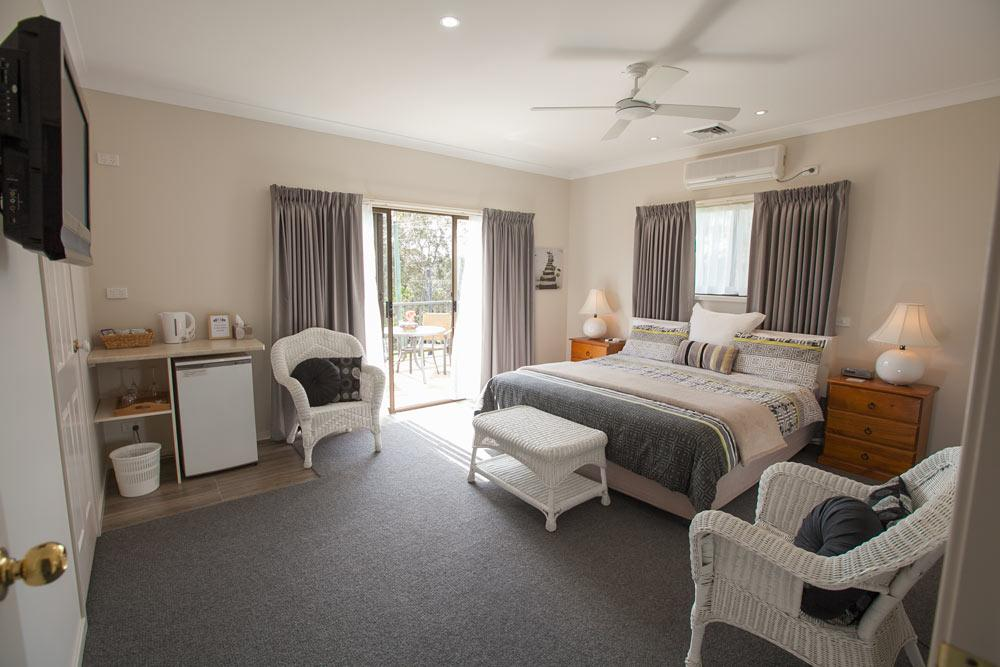Batemans Bay Manor - Bed and Breakfast - Nambucca Heads Accommodation